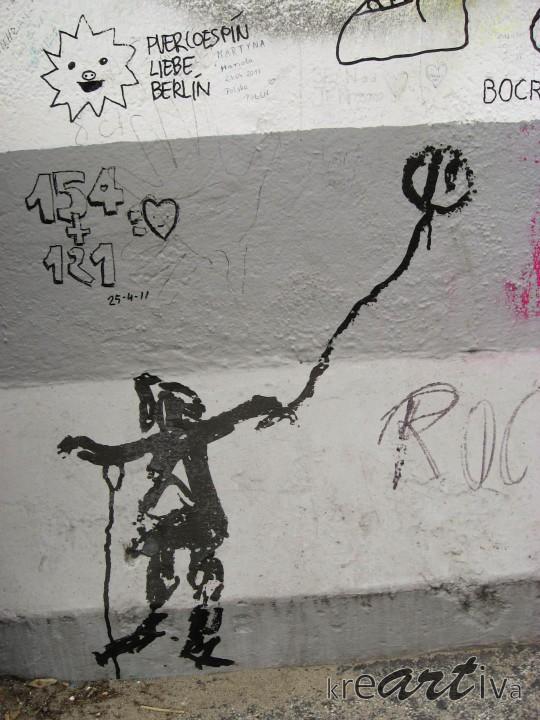mit Ballon, Berlin Deutschland 2011.